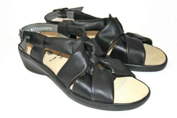 celine-noir-sandales-pieds-larges-chic